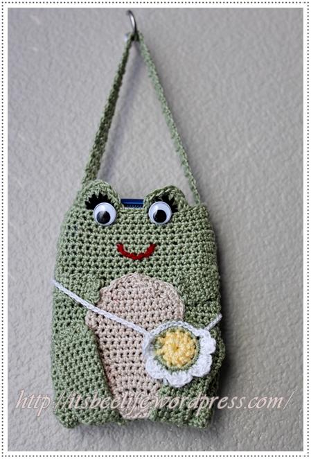 Con ong bé xíu  Frog-phone-bag-1